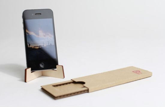 Flat-packable-iPhone-stand 2